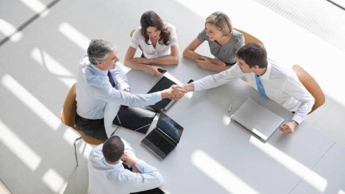 How to Effectively Network at a Conference? – Important, Network